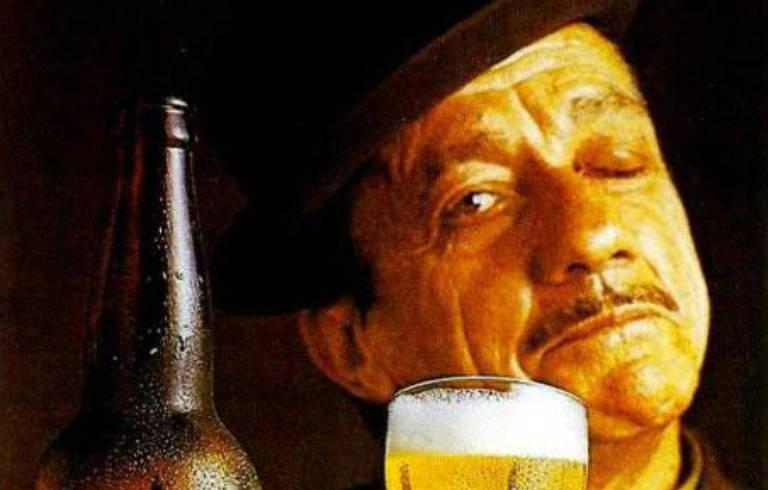 O sambista Adoniran Barbosa foi garoto-propaganda da cerveja Antarctica nos anos 1970