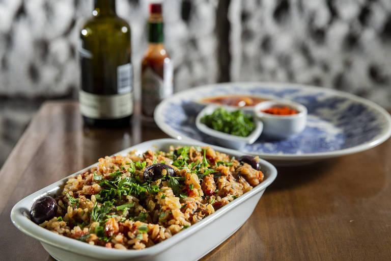 Achado: prato arroz de bacalhau típicamente português, do restaurante O Mirandês