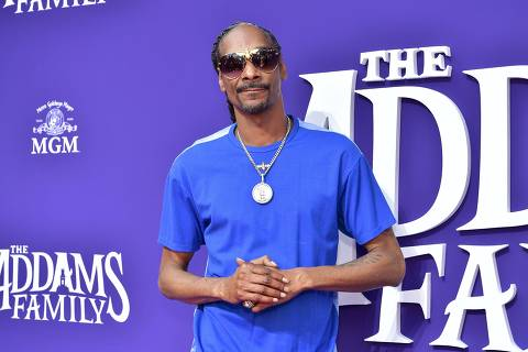 LOS ANGELES, CALIFORNIA - OCTOBER 06: Snoop Dogg attends the Premiere of MGM's 'The Addams Family' at Westfield Century City AMC on October 06, 2019 in Los Angeles, California.   Emma McIntyre/Getty Images/AFP == FOR NEWSPAPERS, INTERNET, TELCOS & TELEVISION USE ONLY ==