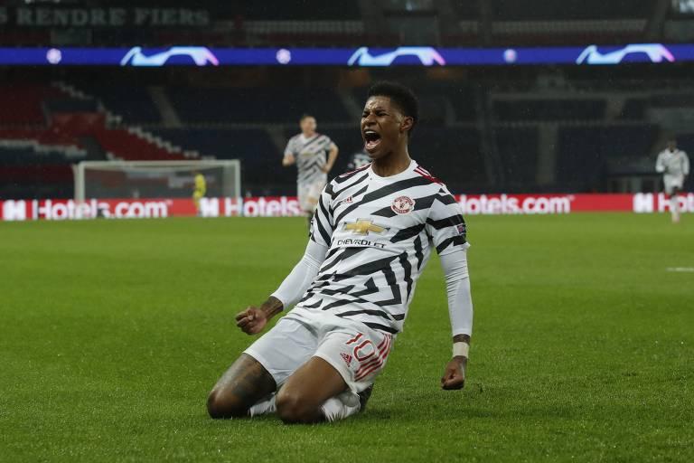 Rashford comemora o gol da vitória do Manchester United sobre o PSG