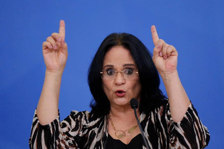 A ministra da Mulher, Família e Direitos Humanos, Damares Alves, durante cerimônia no Palácio do Planalto, em Brasília