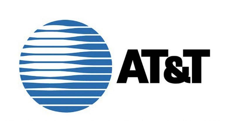 Em 1974 a AT&T teve que responder a uma ação pelo monopólio do mercado de telecomunicações. Em 1984 a AT&T foi dividida em sete partes. As empresas resultantes da partilha passaram a operar a telefonia local nas regiões pré-determinadas. A AT&T ficou responsável pela telefonia de longa distância.