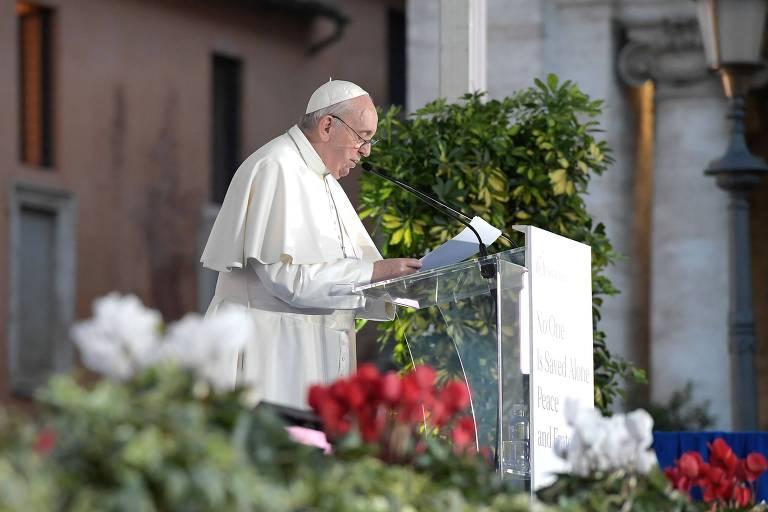 Histórico do papa sugere cautela ao pintá-lo como símbolo da defesa dos LGBTI