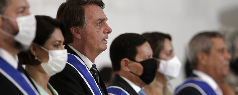 Presidente Jair Bolsonaro, ao lado da primeira dama Michelle Bolsonaro, do vice presidente Hamilton Mourão e do MRE Ernesto Araújo, em cerimônia de formatura dos alunos do curso do instituto Rio Branco