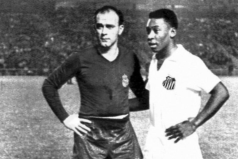 Pelé e Di Stéfano se enfrentaram somente uma vez na carreira, em amistoso disputado em 1959