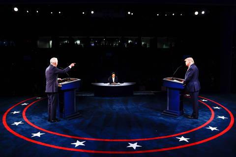 Trump e Biden trocam acusações em último debate menos agressivo