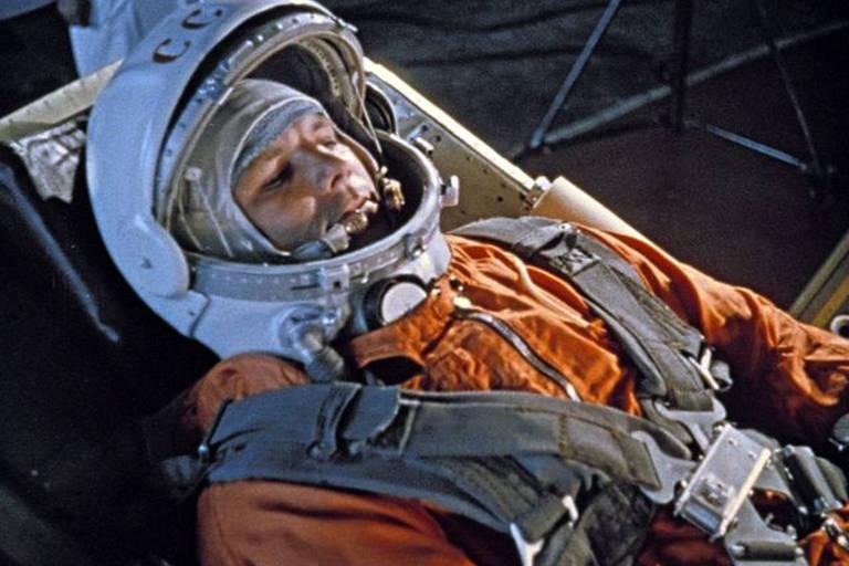 Por que os cosmonautas russos urinam sobre um pneu antes de ir ao espaço