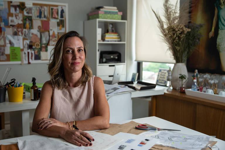 Juliana Fregonesi no ateliê da Made with Soul, em São Paulo