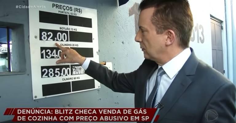 O candidato Celso Russomanno visita revenda de gás de cozinha, em programa que motivou processo, gravado em março deste ano