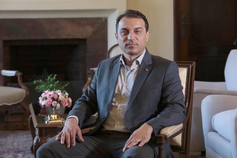 Tribunal especial afasta governador de SC por 180 dias para seguir com processo de impeachment
