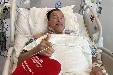 Arnold Schwarzenegger passa por nova cirurgia cardíaca e tranquiliza fãs: 'Fantástico'