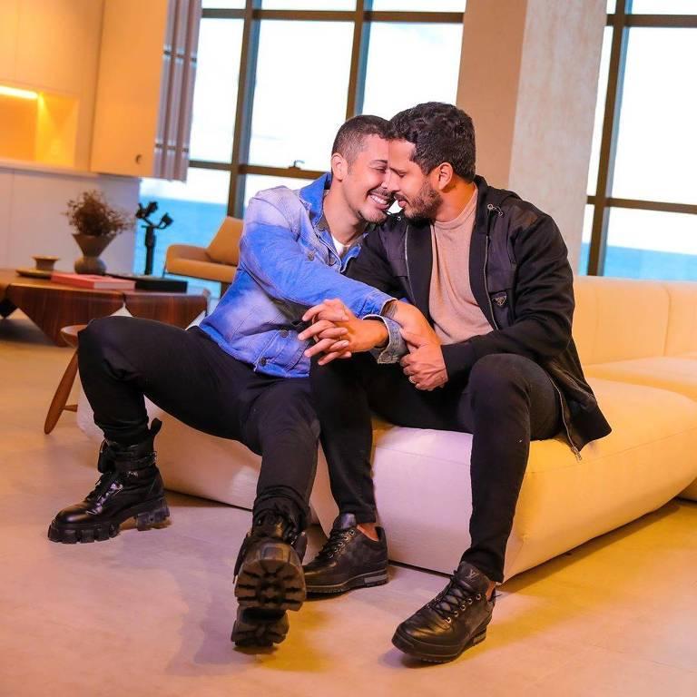 Carlinhos Maia e seu marido, Lucas Guimarães, mostram casa nova