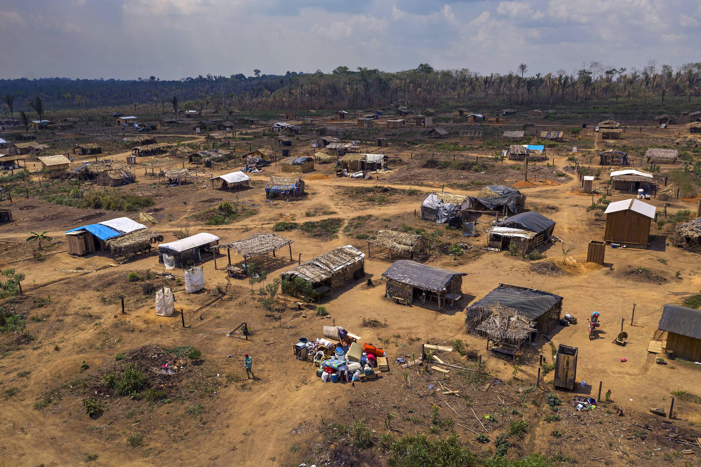 Vista aérea do acampamento Boa Esperança, que foi erguido no ano passado pelas famílias que foram retiradas de uma área invadida dentro da Floresta Nacional Bom Futuro