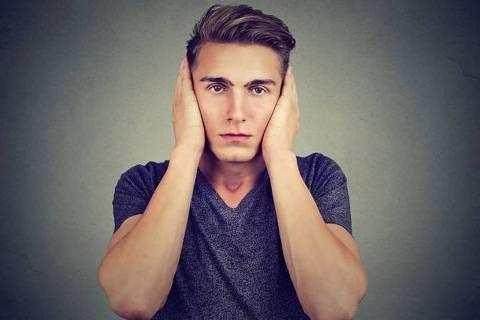 Já imaginou como seria se você ouvisse tudo, sem poder filtrar ruídos ou se concentrar em apenas uma conversa?
