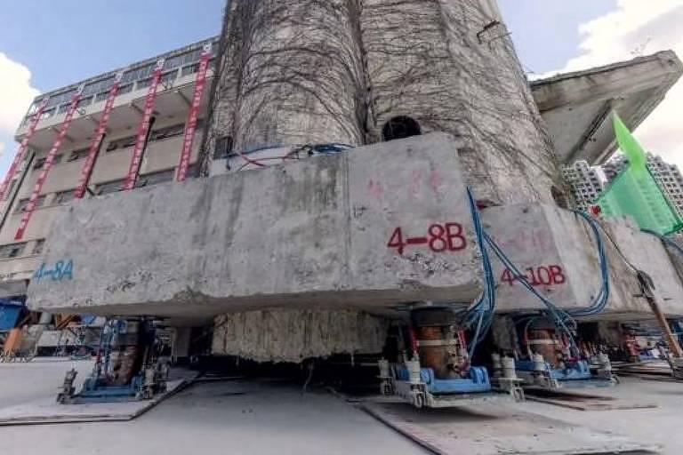 Escola primária Lagena, de cinco andares, foi construída em 1935 em Xangai, na China