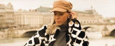 A blogueira Nati Vozza prefere modelo com aba