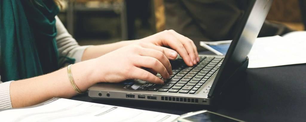 Como o marketing e as vendas podem quebrar as barreiras tecnológicas entre seus departamentos