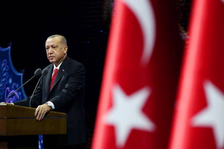 O presidente turco, Recep Tayyip Erdogan, discursa em Ancara