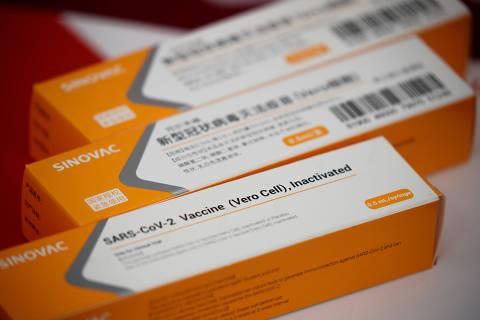 Ministério da Saúde restringe vacinação de grávidas a Coronavac e Pfizer e em caso de comorbidades