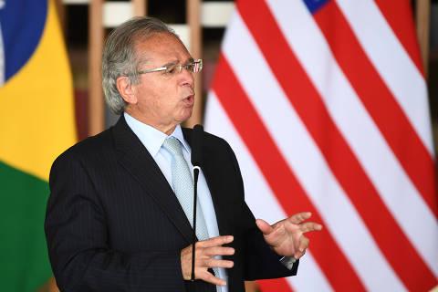 Engrenagem política não tem permitido privatizações, diz Guedes
