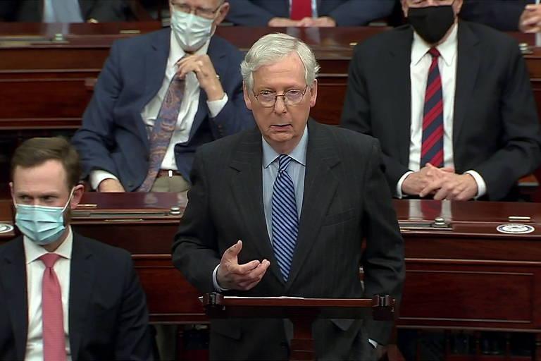 O líder da maioria no Senado americano, Mitch McConnell, discursa antes da votação que confirmou Amy Coney Barrett na Suprema Corte