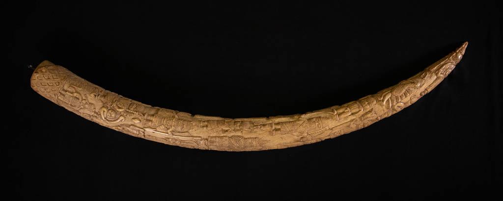 Escultura de marfim do Benim que foi exibido no British Museum, em Londres