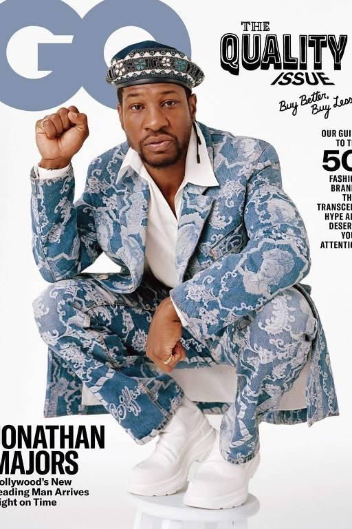 O ator Johnathan Majors na capa da QG americana de outubro; três personalidades negras estiveram na capa da revista neste ano