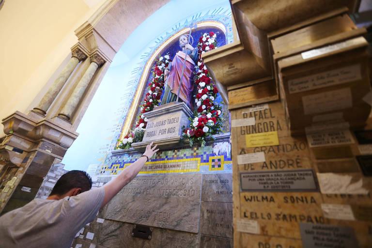 Festa de São Judas atrai 100 mil pessoas em São Paulo