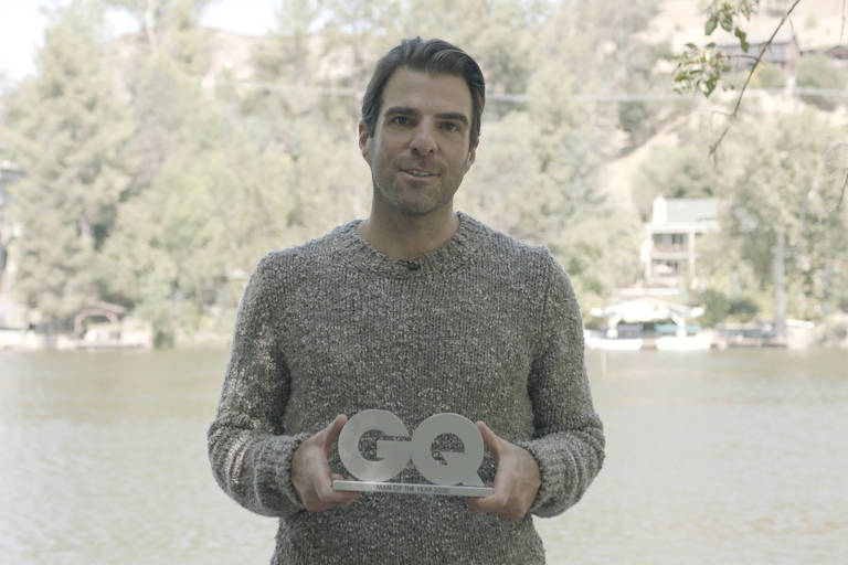 Zachary Quinto recebe a versão alemã do GQ Men of the Year 2020