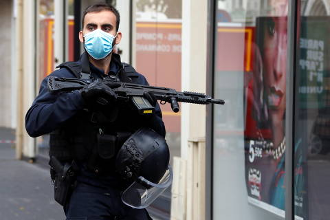 Ataque a faca deixa ao menos três mortos em igreja na França