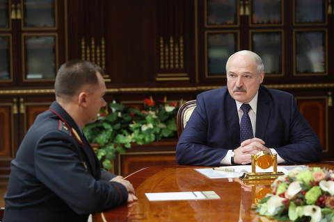 Belarusian President Alexander Lukashenko meets with newly-appointed Interior Minister Ivan Kubrakov in Minsk, Belarus October 29, 2020. Nikolai Petrov/BelTA/Handout via REUTERS  ATTENTION EDITORS - THIS IMAGE HAS BEEN SUPPLIED BY A THIRD PARTY. NO RESALES. NO ARCHIVES. MANDATORY CREDIT. ORG XMIT: MOS