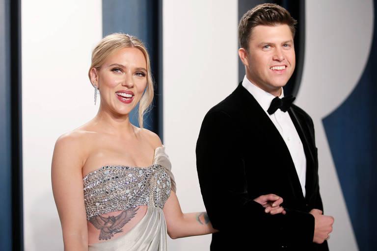 Scarlett Johansson  e o marido Colin Jost