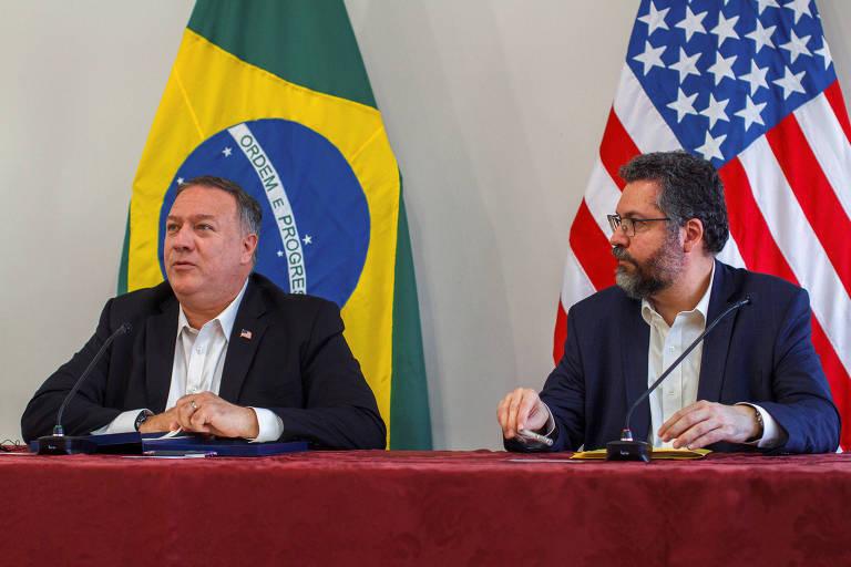 O secretário de Estado dos EUA, Mike Pompeo, e o chanceler brasileiro, Ernesto Araújo, durante entrevista coletiva em Boa Vista, em Roraima