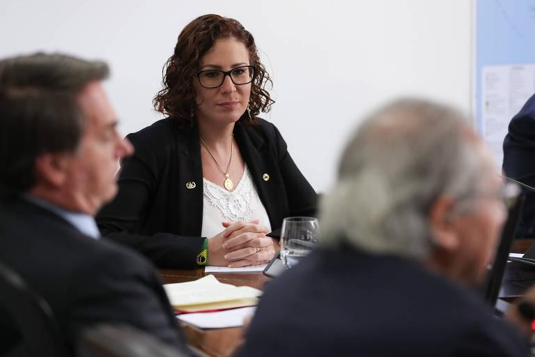 Em retaliação a Aécio, Zambelli propõe exame toxicológico obrigatório no Congresso