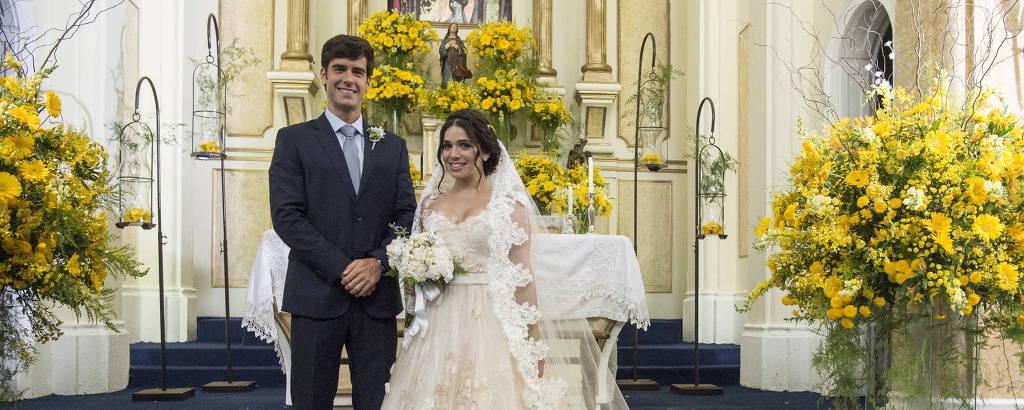 Shirlei (Sabrina Petraglia) e Felipe (Marcos Pitombo) em cena de 'Haja Coração'