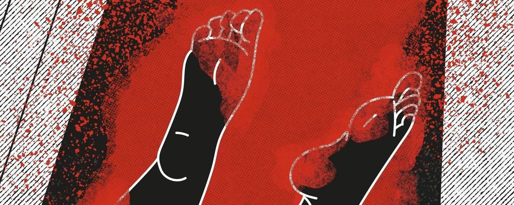 Ilustracao de um palco com piso em preto e branco e uma porta na parede ao fundo com um homem em vermelho. na parte inferior tem pes de uma mulher sujo de sangue e logo da ilustrada esticado abaixo no fundo preto.