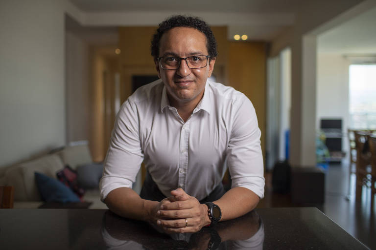 O diretor de RH André Miguel, na agência E/OU MRM