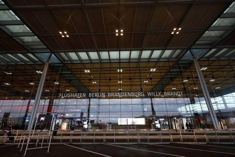 Veja fotos do aeroporto de Berlim