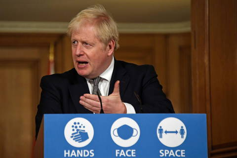 Reino Unido anuncia bloqueio parcial até dezembro para conter alta de casos da Covid
