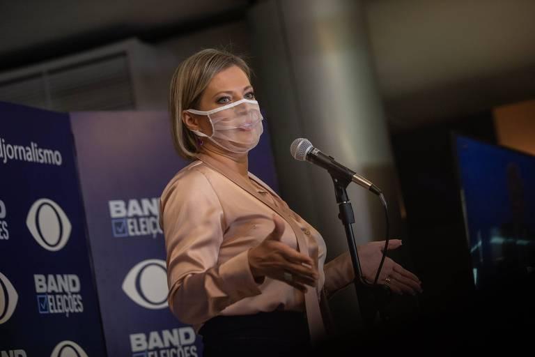 A deputada Joice Hasselmann em debate na TV Band com os candidatos à Prefeitura de São Paulo