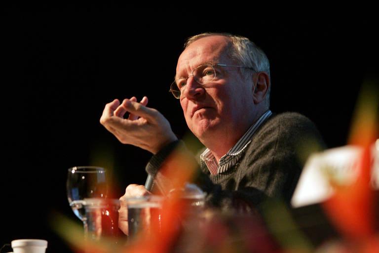 Robert Fisk, correspondente do jornal inglês The Independent, participa do Fórum Folha de Jornalismo em 2006.