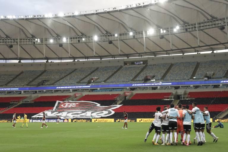 Maracanã vazio durante vitória do São Paulo sobre o Flamengo neste domingo (1º), pela última rodada do primeiro turno do Campeonato Brasileiro