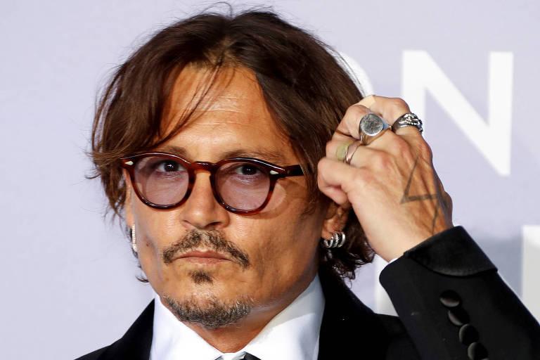 Depp perde processo contra jornal inglês que o chamou de 'espancador de mulheres'