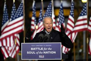 Biden wraps up campaign with drive-in rally featuring Lady Gaga