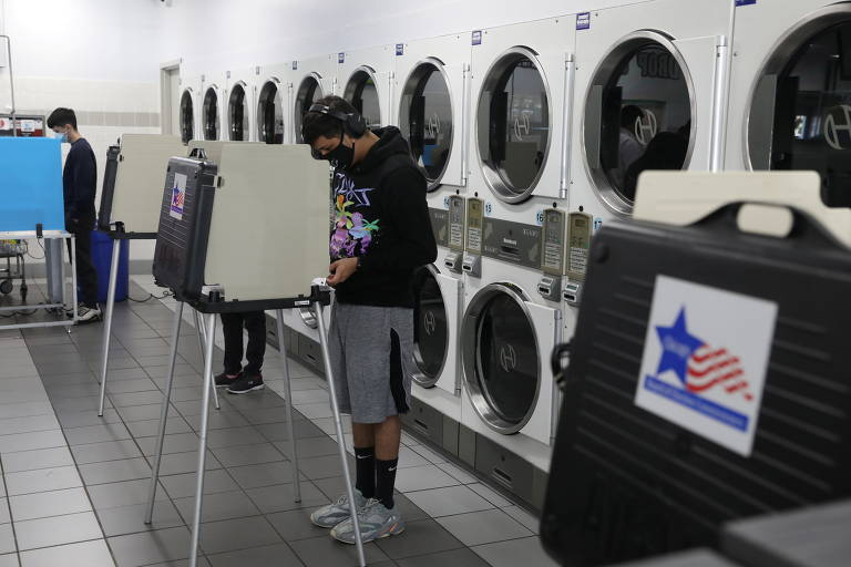 Eleitores votam nesta terça-feira