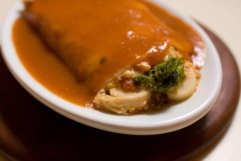 ORG XMIT: 062801_1.tif Gastronomia: panqueca de brócolis com palmito e ricota, prato servido no Que Pankeka, em São Paulo (SP). (São Paulo, SP, 17.04.2008. Foto de Leo Caobelli/Folhapress)
