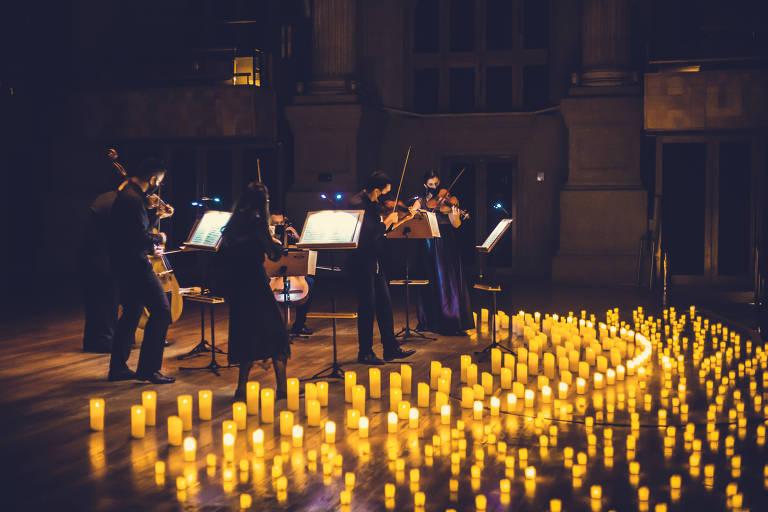 São Paulo tem concerto à luz de velas durante a pandemia