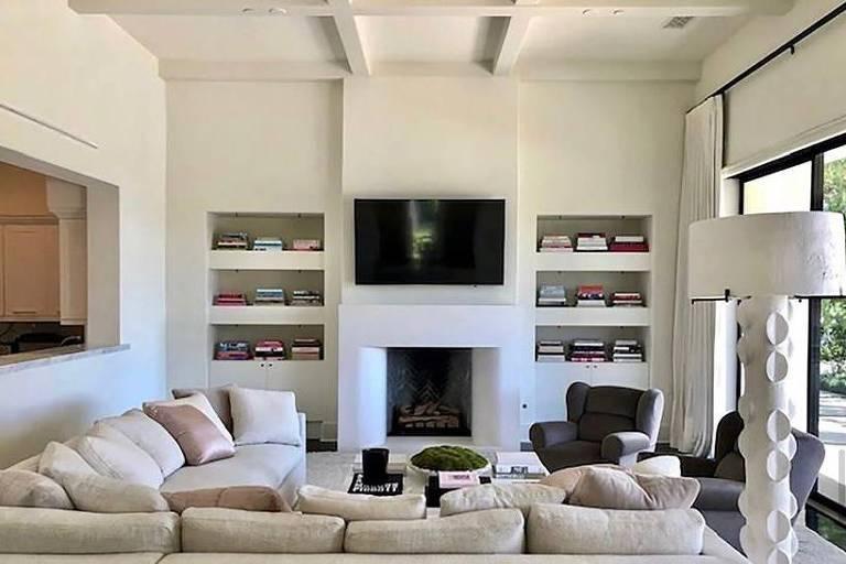 Khloe Kardashian vende mansão por quase R$ 90 milhões na Califórnia