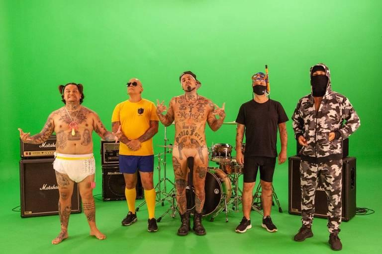Detonautas lançará música sobre 'kit gay' e 'mamadeira de piroca'