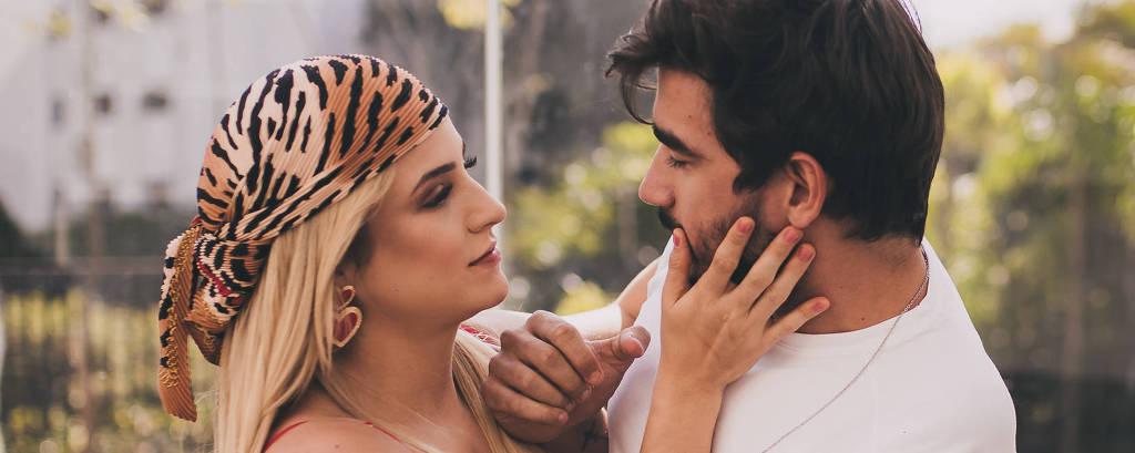 Gabi Martins e Gui Napolitano gravam o videoclipe 'Covardia'.